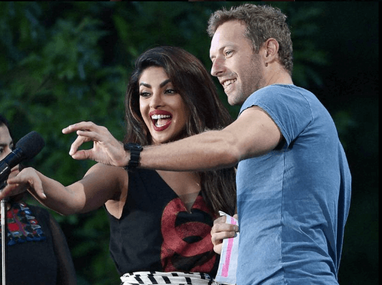 Chris Martin Addresses �Katrina Kaif Kapoor� At Global Citizen Festival. Priyanka Comes To His Rescue